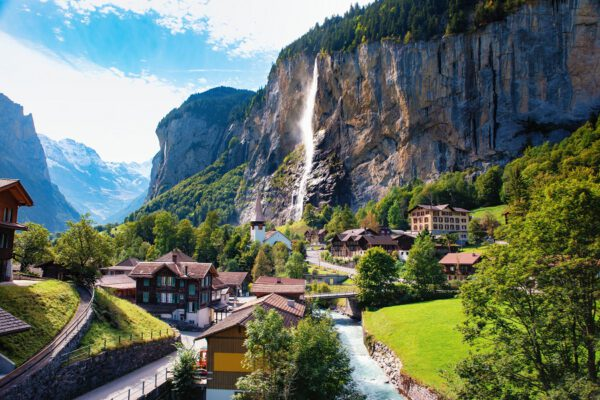 Valley-of-Lauterbrunnen.-shutterstock_1590796906